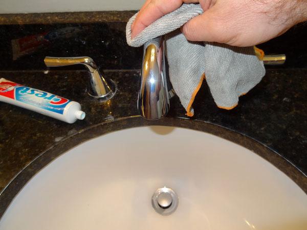 15 невероятных вещей, на которые способна обычная зубная паста