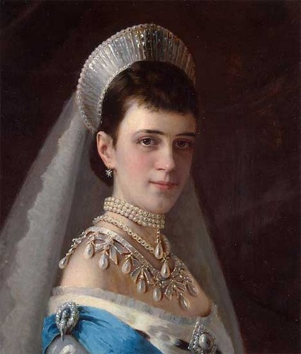 https://muzei-mira.com/templates/museum/images/paint/portret-imperatricy-marii-fedorovny+.jpg