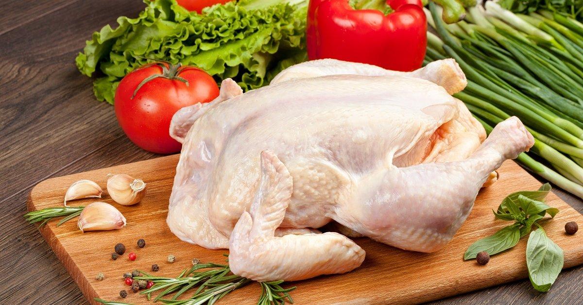 Три блюда из одной курицы: как экономно разделать птицу
