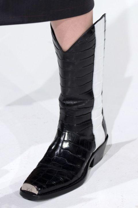 Calvin Klein предлагает свой вариант осенне-зимней обуви