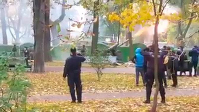 Артиллерия открыла огонь в центре Киева возле Верховной рады