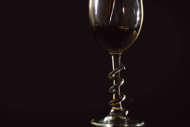 Как оригинально украсить бокал
