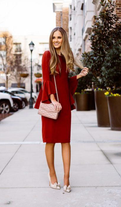 Модное платье с рукавом-воланом