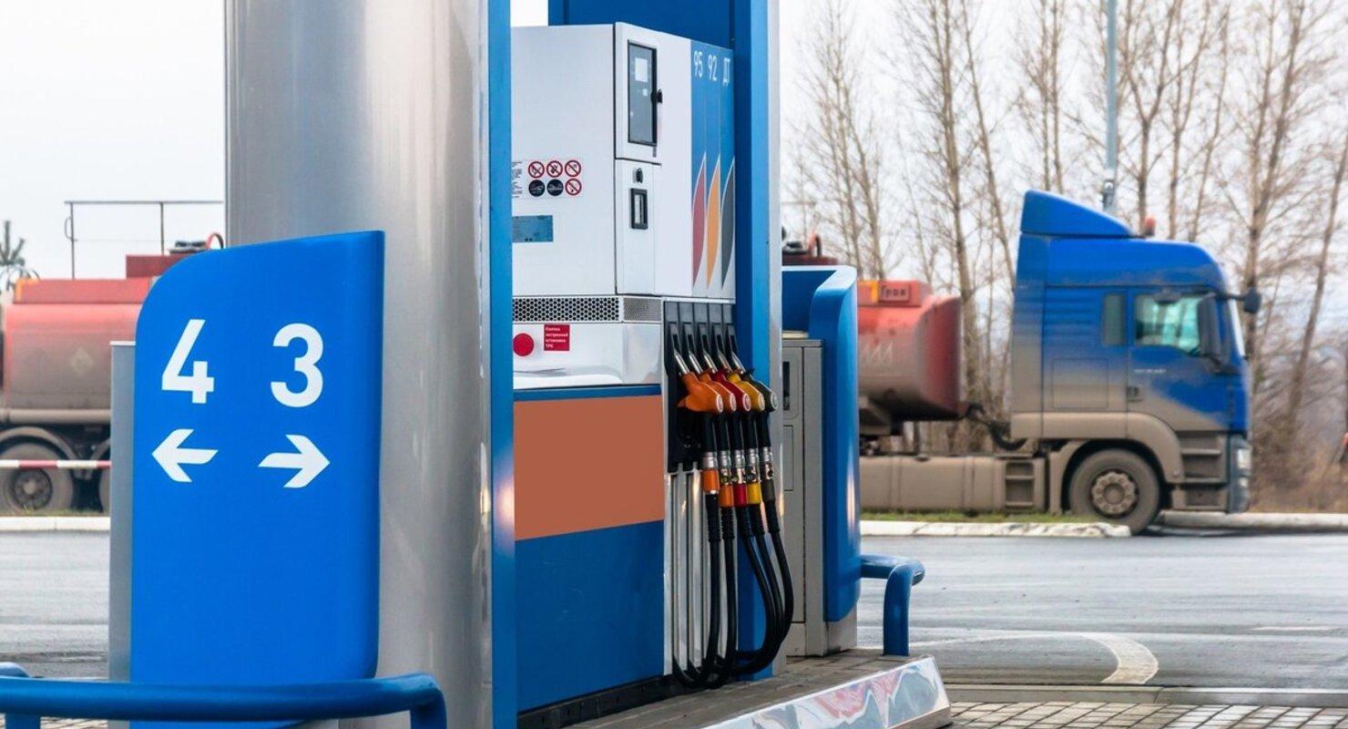 Почему топливо в Казахстане стоит дешевле, чем в России Автомобили