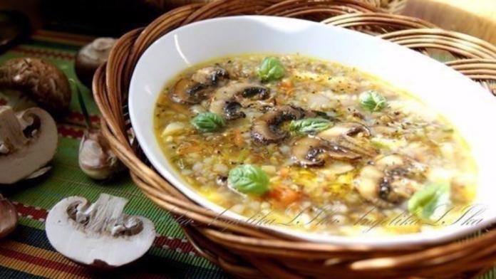Обычные ингредиенты, но невероятный вкус! Cуп с грибами и гречкой