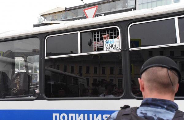 «Вероятно, часть силовиков уже перешла на сторону кремлевских либералов»
