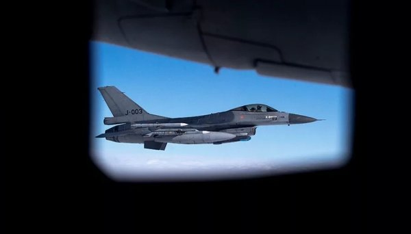 Истребитель НАТО пытался перехватить российский Су-27. Вот что из этого получилось...