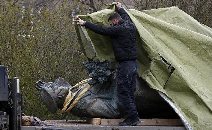 Aktuality : рицин в чемоданчике? Это может быть и посланием о том, что не стоит продолжать политику, не устраивающую Кремль Политика
