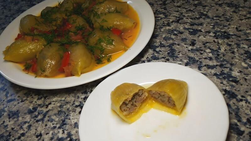 Долма из лука  блюда с фаршем,овощные блюда