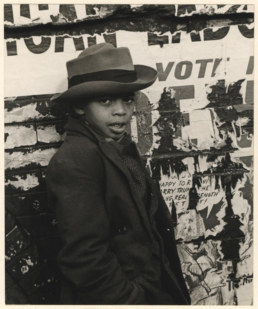 Уличная жизнь Нью-Йорка с 1930-х до 80-х годов в фотографиях Элен Левитт 9