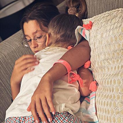 Светлана Лобода поделилась редкими снимками из семейного архива в честь трехлетия дочери Тильды Звездные дети