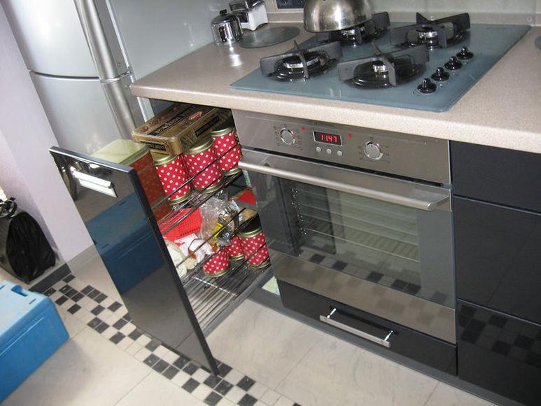 Рейлинги, карго и карусель: что должно быть на современной кухне?