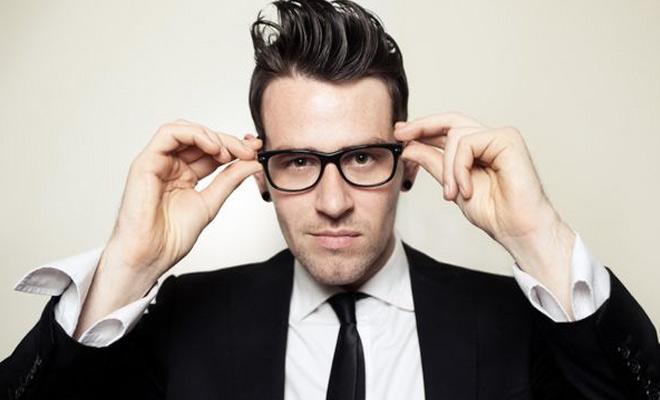 Как избавиться от царапин на очках: 10 простых способов