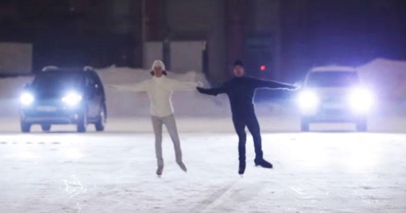 На лед выехали машины и вышл…