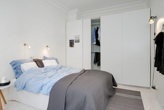 Для оформления спальни можно использовать встроенные шкафы, ведь это будет смотреться стильно и современно, а также позволить сэкономить пространство