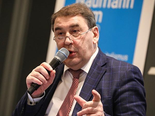 Как можно победить бедность и неравенство в России? Интервью Андрея Нечаева