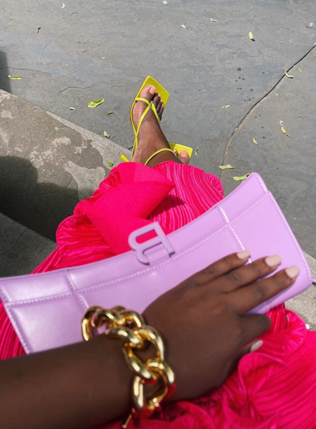 От платьев с воланами до наивных украшений: 5 ярких летних трендов можно, цвета, длинными, внимание, кольца, будет, самые, Только, яркие, костюм, именно, платья, больше, девушка, образа, широкие, вариант, привнесут, обратить, стоит