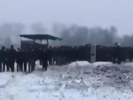 Похороны в Чечне убийцы французского учителя нарушили закон общество,Париж,россияне,убийство,Чечня