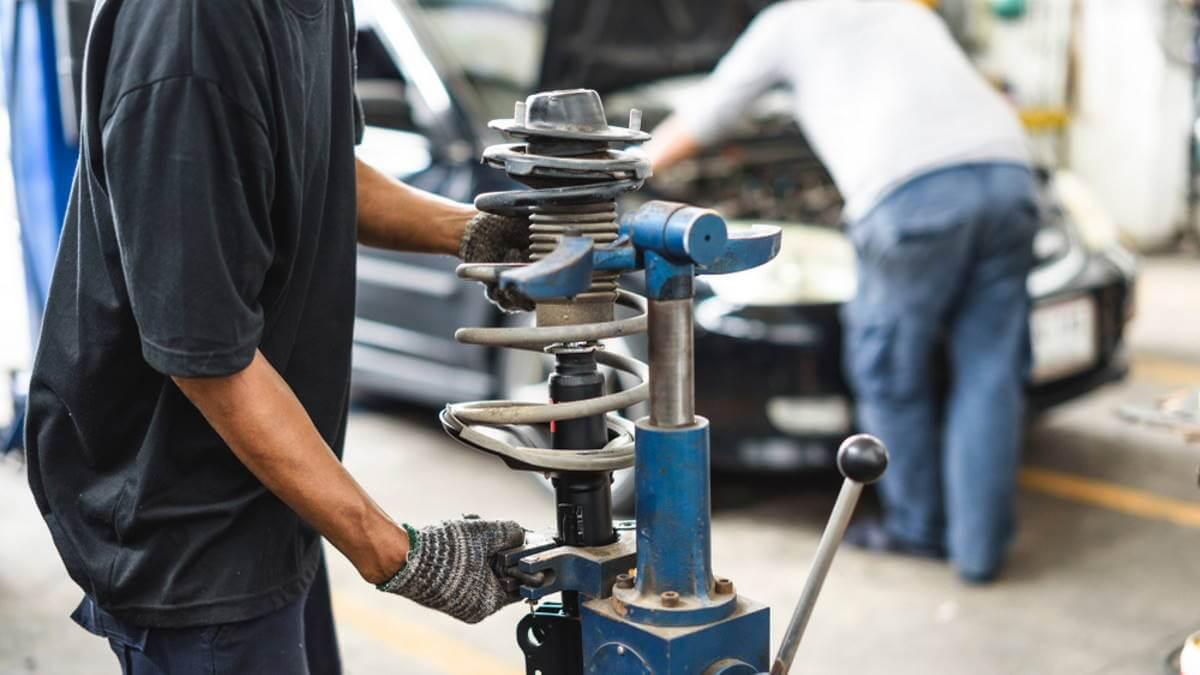 6 признаков, что амортизаторы нужно срочно заменить автомобили,автосервис,автоспорт,водители,машины,полезные советы,ремонт автомобилей,ремонтирую машини,сервис
