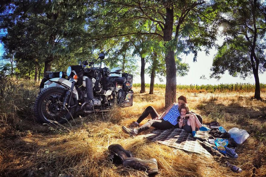 Семья с пятилетним ребёнком объехала Грузию и Армению на «Урале» с коляской