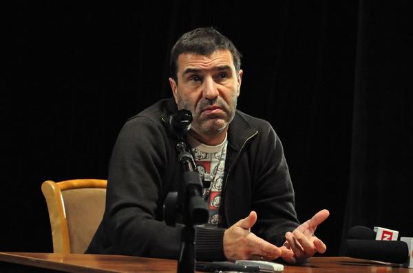 Евгений Гришковец :»Феномен Шнура в том, что он – предатель»