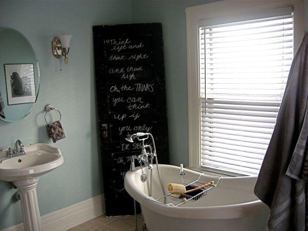 Вешалка, полочка, зеркало, стол: старая дверь как источник вдохновения вдохновляемся,интерьер,новая жизнь старых вещей