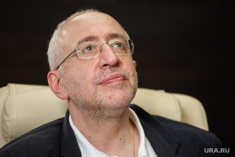Сванидзе раскритиковал идею депутата заменить «Архипелаг ГУЛАГ» Библией