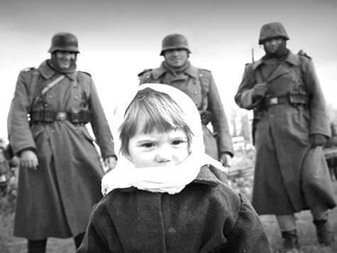 Ребенок с немцами