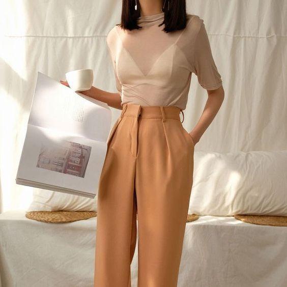 Прозрачные блузки: как и с чем носить горячий тренд осени