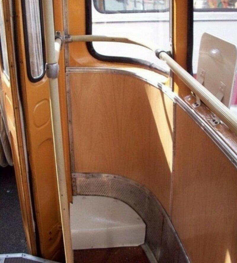 """""""Козырное место"""" любого автобуса  90-е, вещи, воспоминания, забавно, люди, ностальгия, примета, эпоха"""