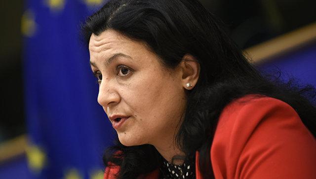 Венгрия не должна мешать Украине сотрудничать с НАТО, заявили в Киеве