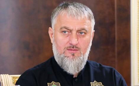 Депутат Госдумы от Чечни Адам Делимханов призвал выйти на связь участника стычки на несогласованной акции в Москве