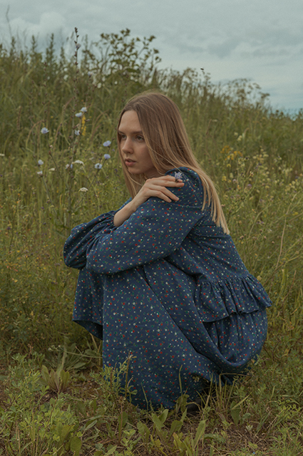 Экологичная обувь, платья из хлопка и комфортное белье: собираем универсальный летний образ из новых лукбуков Лукбук