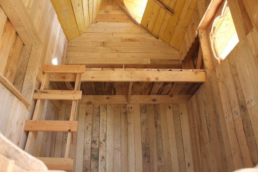 Как построить настоящий замок для ребенка из обыкновенных деревянных палет