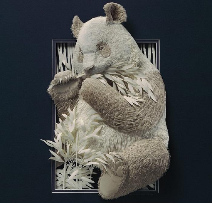 Художник изящно создает скульптуры животных из бумаги