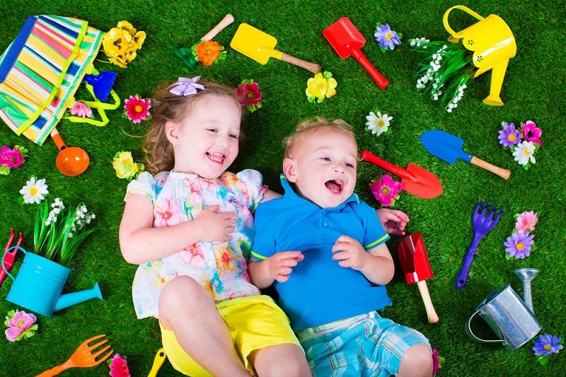 10 красочных детских уголков для дачи, которые просты в исполнении