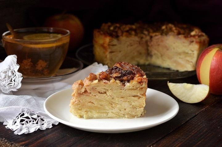 «Невидимый» яблочный пирог: сама вкусная выпечка по бабушкиному рецепту!