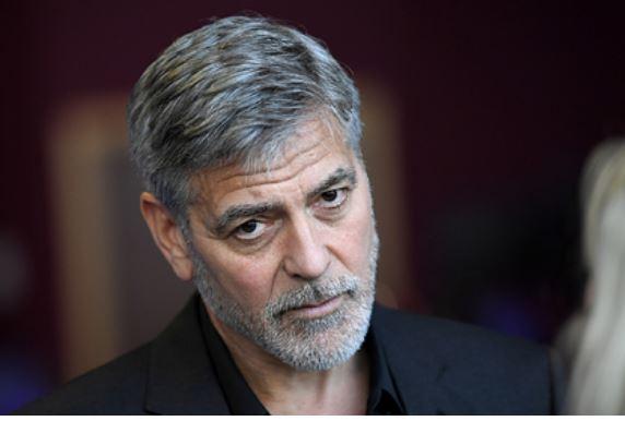 Джорджа Клуни госпитализировали перед съемками фильма Шоу бизнес
