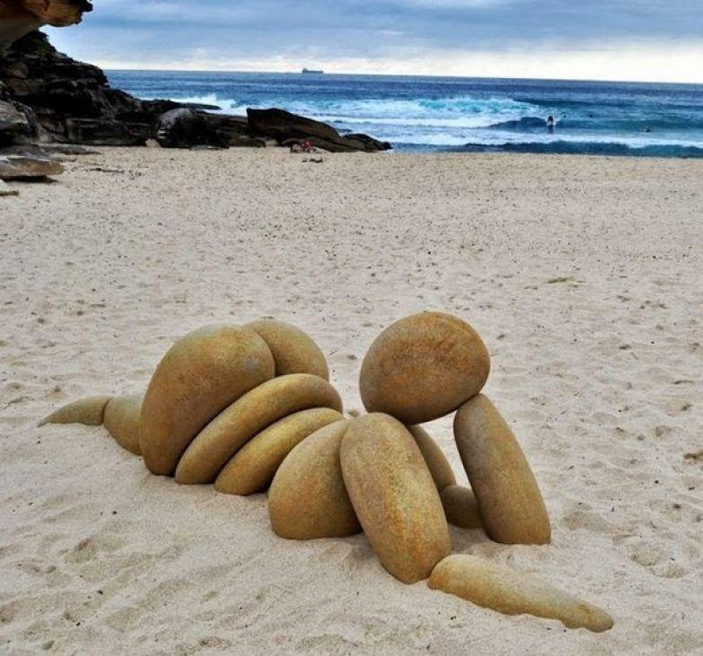 Дню матери, прикольная картинка на пляже