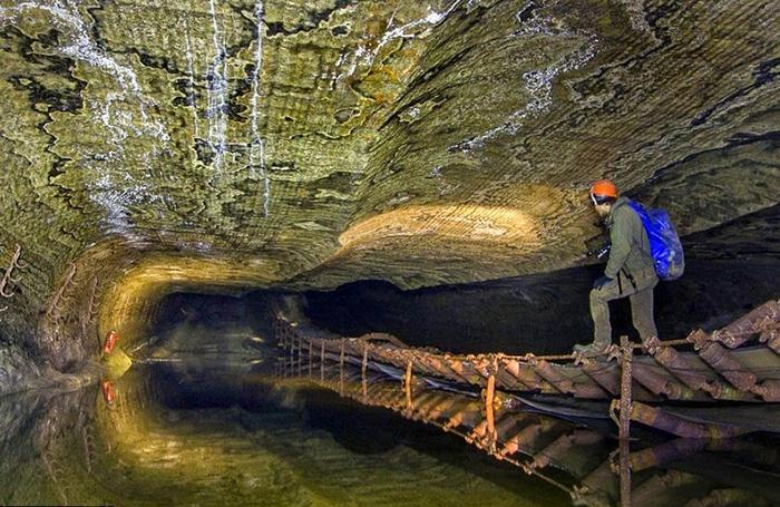 Михаил Мишайник три раза спускался в шахту, чтобы запечатлеть ее красоту.