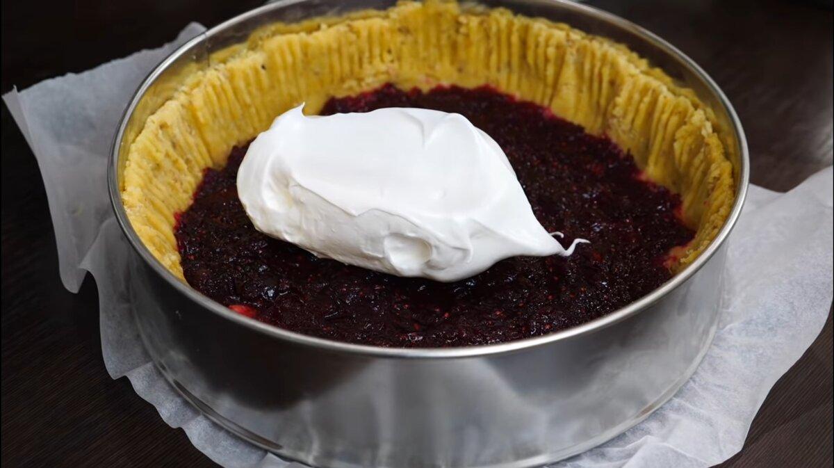 Пирог объедение с клюквой и безе сладкая выпечка