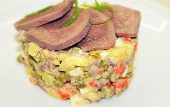 Салат оливье с языком - новогодний салат