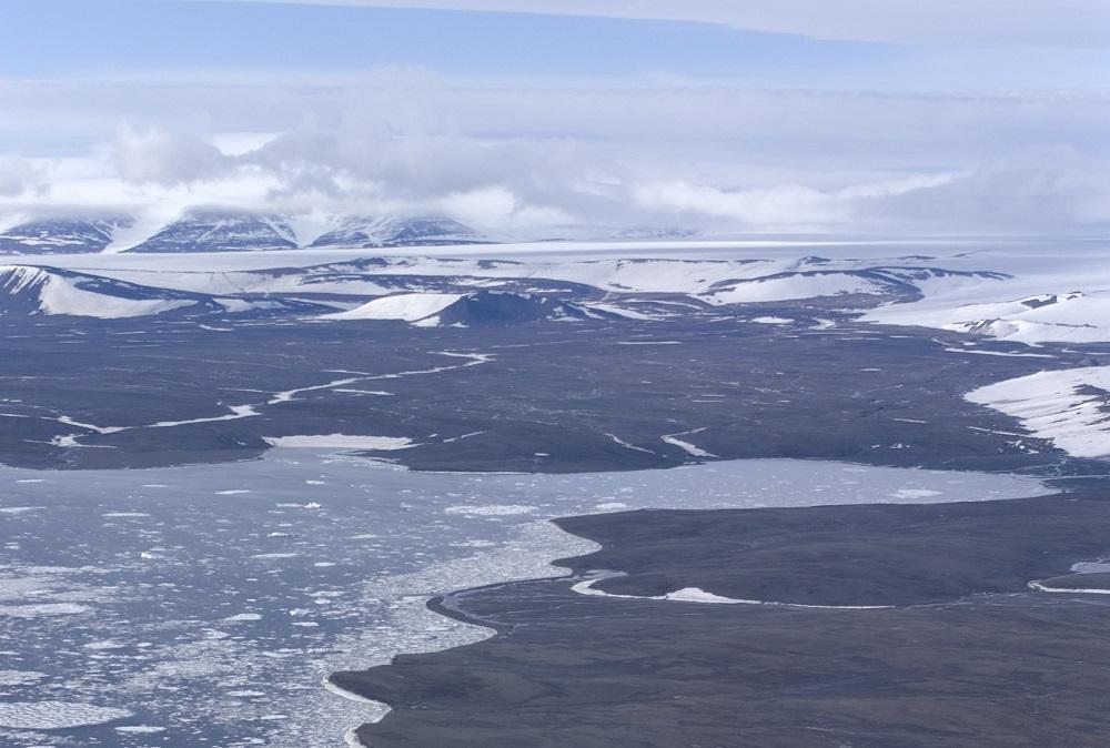 Как айсберги-гиганты едва не отпугнули моряков от открытия Земли Николая II: Последнее географическое открытие ХХ века