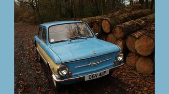 В Британии учитель коллекционирует советские автомобили