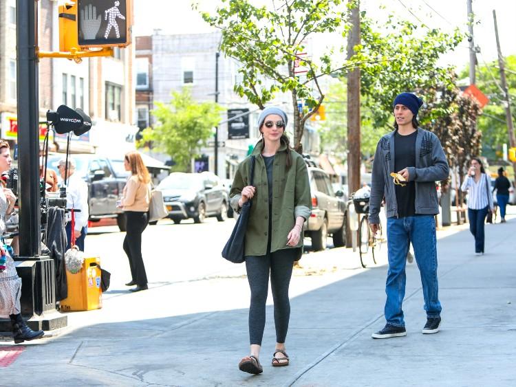 Муж и жена: Джаред Лето и Энн Хэтэуэй на съемках в Нью-Йорке Звезды,Папарацци