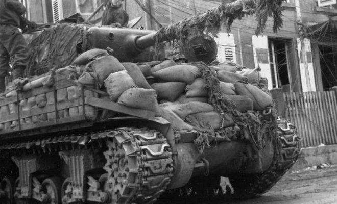 Могли ли мешки с песком защитить танк от вражеских снарядов. Смотрим на примере Т-34 армия,броня,великая отечественная война,оружие,Пространство,пушка,т-34,танк