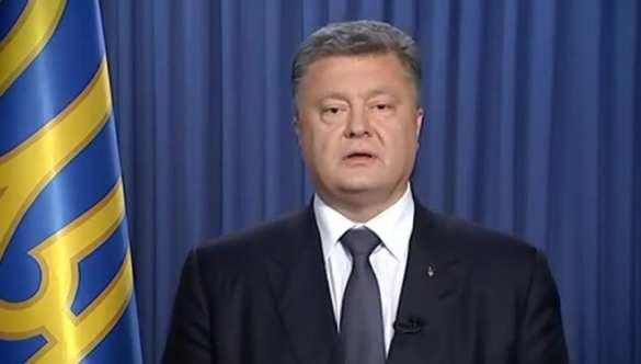 Политолог: Заявления Порошенко о блокаде Донбасса выглядят как политическая шизофрения