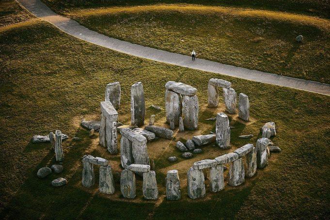 10 памятников скульптуры и архитектуры со всего мира, которые ставят учёных в тупик