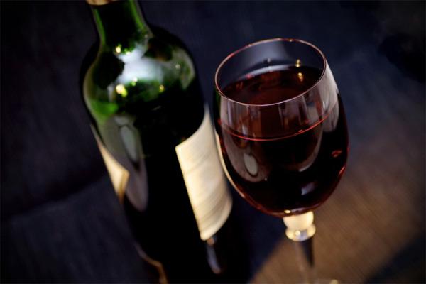 Почему нужно покупать недорогое вино