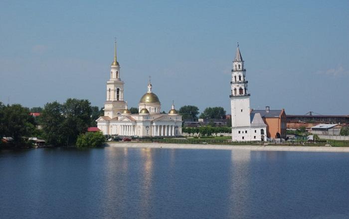 Уральская сестра Пизанской башни: «Наша наклонная» и её неразгаданные зловещие тайны